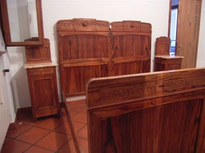 Camera matrimoniale completa stile liberty reggio emilia for Subito it arredamento reggio emilia