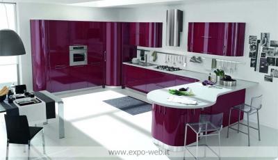 Arredo3 cucine cucina wega in laccato lucido da for Subito toscana arredamento